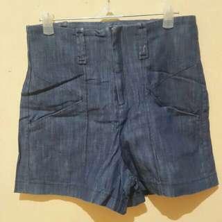 Celana Pendek / Hotpants Size : 27-28 Preloved