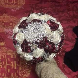 wedding flower 婚禮用紅白玫瑰花球