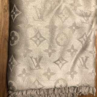 LV 經典頸巾