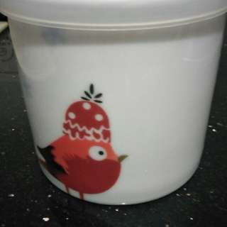 Cute bird food container