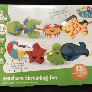 木製玩具(threading)