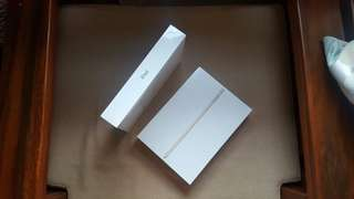 Bnew Apple iPad 2017 32GB wifi A1822 2017 model Gray and Gold