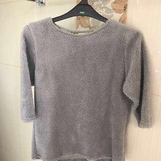 Short sleeves grey sweater