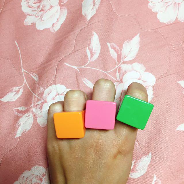 可愛單色壓克力方塊戒指