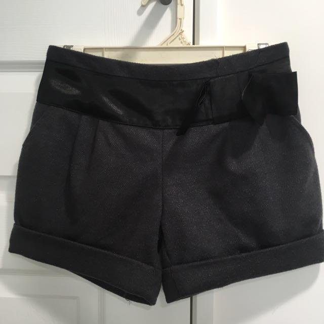 全新深灰色毛料短褲二