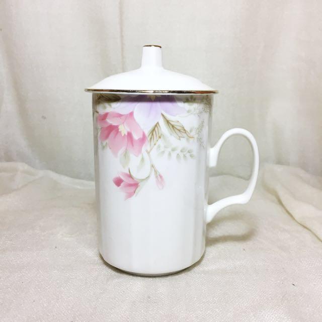 《全新》泡茶杯 陶瓷杯 水杯 高 含蓋