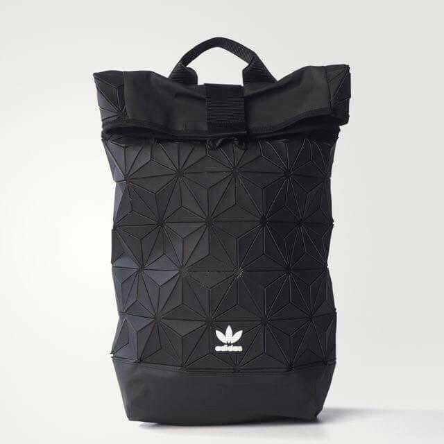 日本代購-adidas 3D菱格紋後背包(預購)