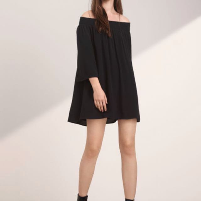 Aritzia Curzon dress size S
