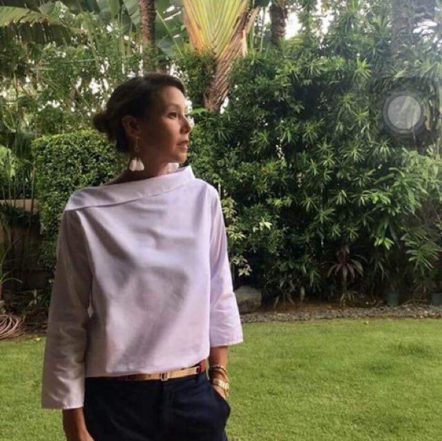 Assymetrical blouse