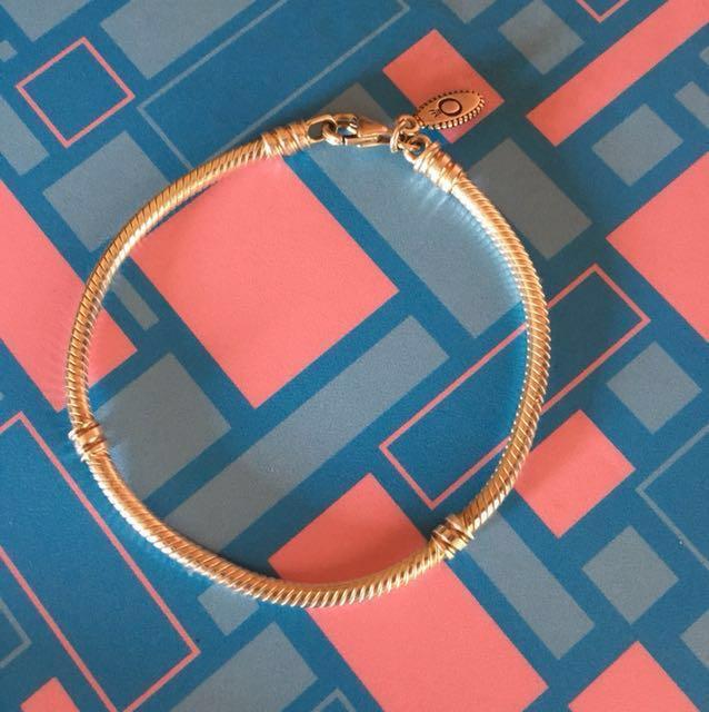 Authentic Pandora Moments Charm Bracelet