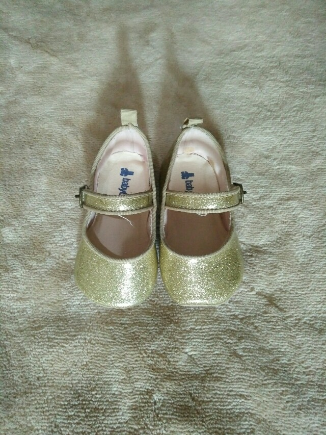 Baby gap gold glittered shoes