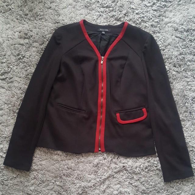 Blazer hitam list merah