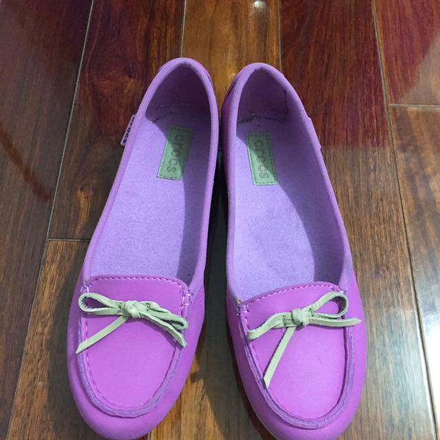 Crocs粉紫娃娃鞋