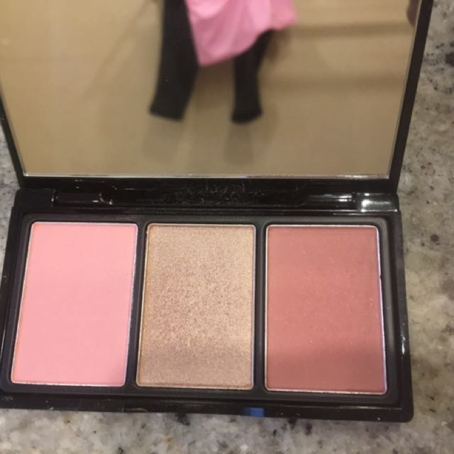 Elizabeth Arden Highlighter And Blush Palette