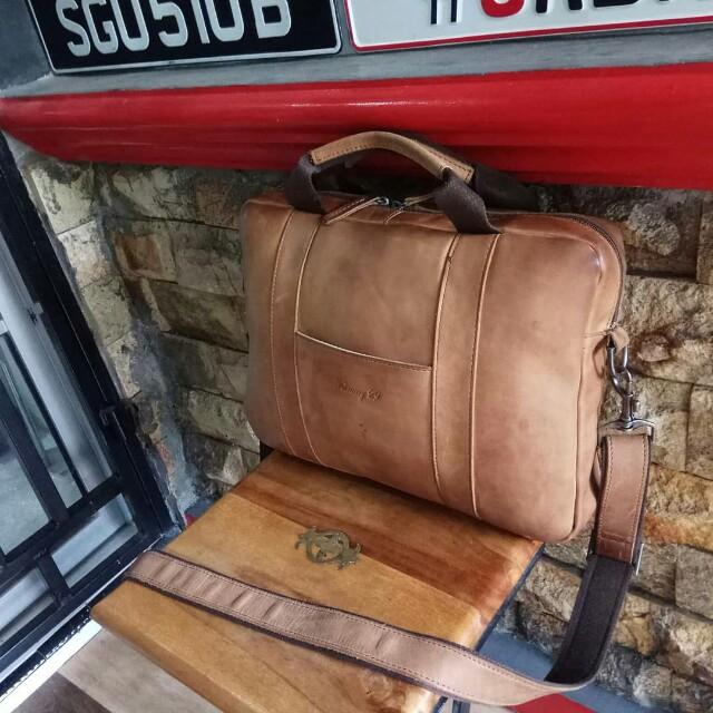 February 29 slingbag,leather