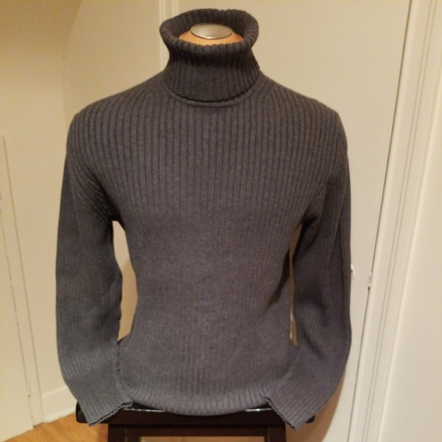 GAP Men's Turtleneck