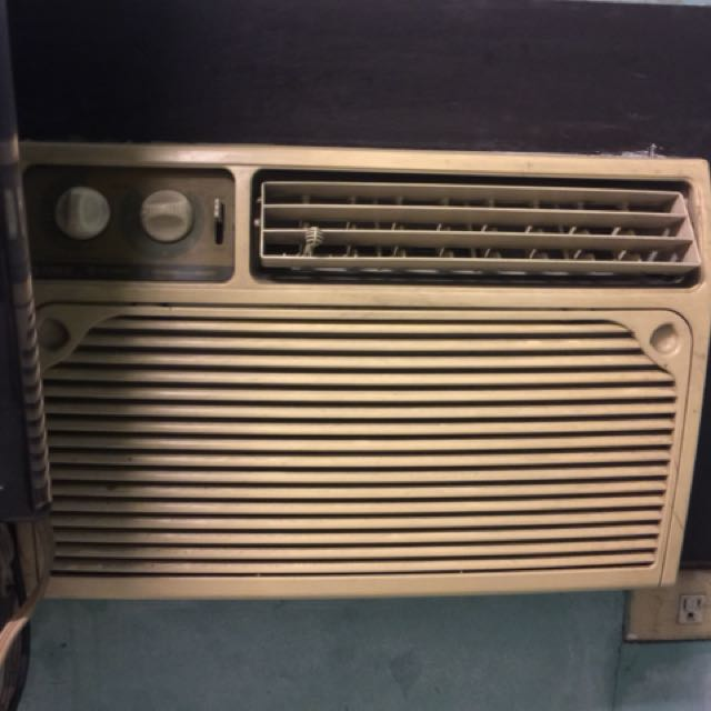 Gree Window Type Air conditioning unit