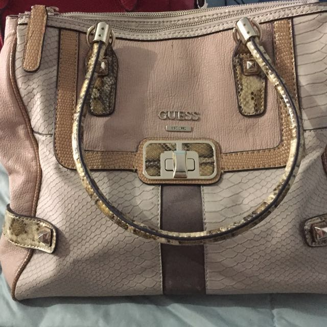 GUESS HandBag Authentic Rarely Use