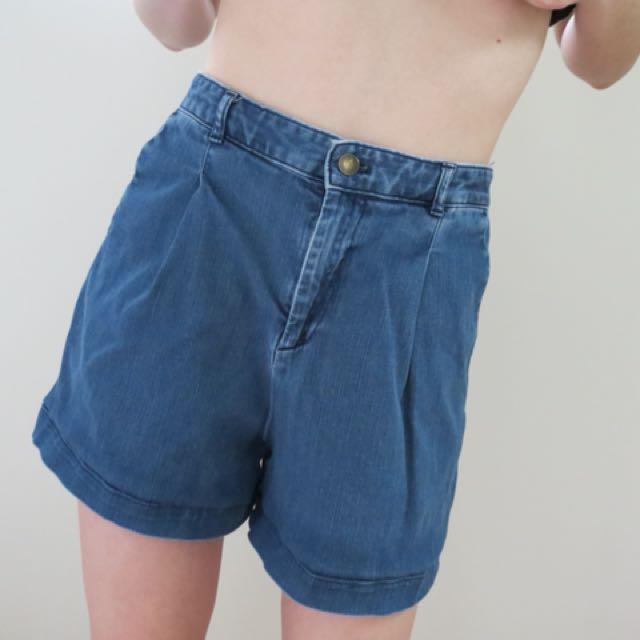 highwaisted vintage cut denim shorts