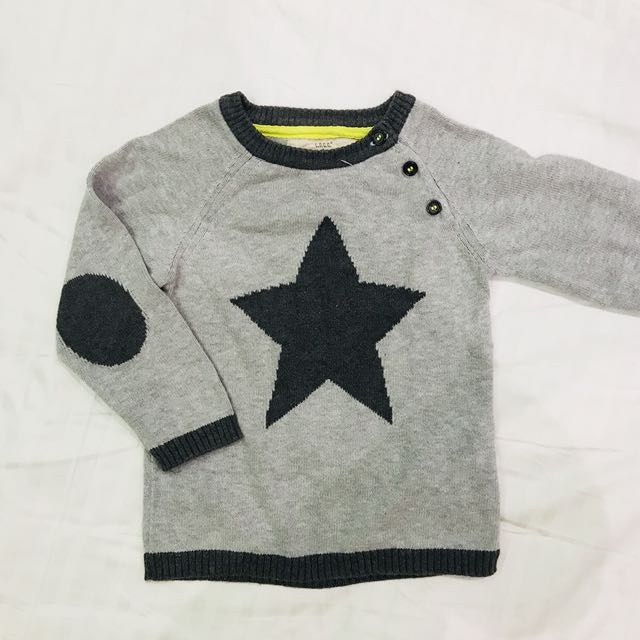 HM gray star sweater