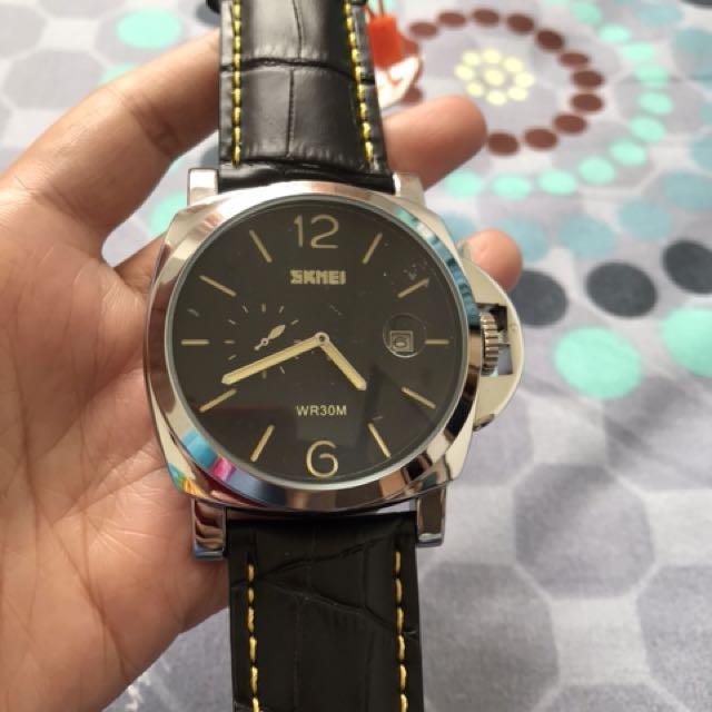Jam tangan analog black yellow
