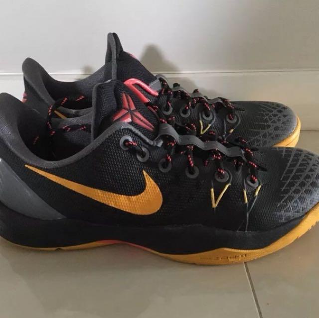 Kobe venomenon basketball shoes