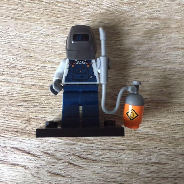 Genuine Lego Mini figure Welder from  series 11