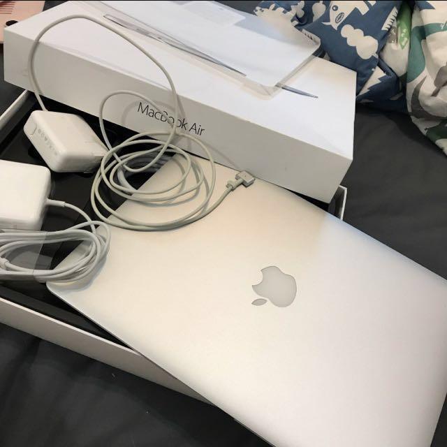 MacBook Air13 2015 128G 外觀全新 兩條電源線 配件齊全 買就送全新電腦殼