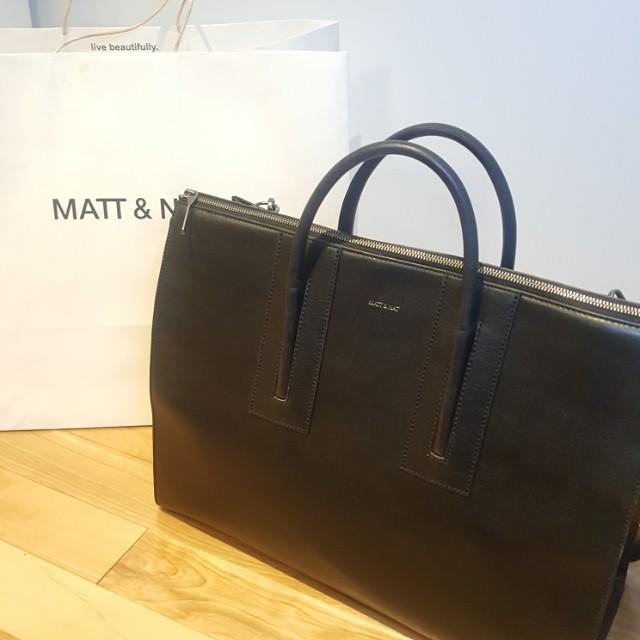 🌟REDUCED🌟MATT & NAT - Vegan leather Tacoma Bag (Oversized Messenger bag)