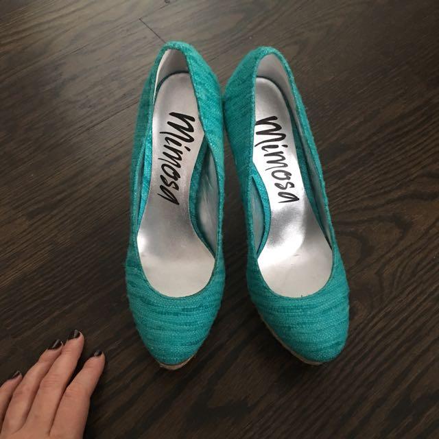 Mimosa wedge heels size 6