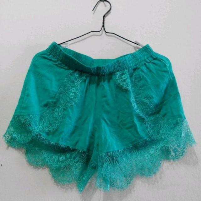 Mine Tosca Lace Short Pants
