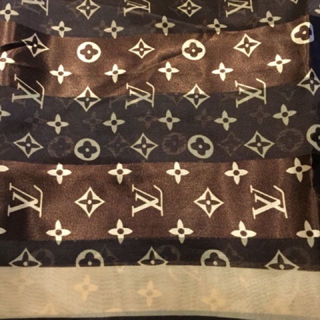 New Louis v silk scarf new made in France