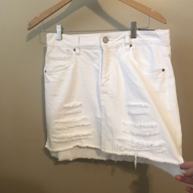 New white skirt never worn