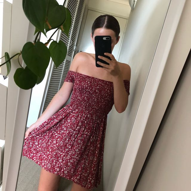 Off Shoulder Dress // Princess Polly Size Small