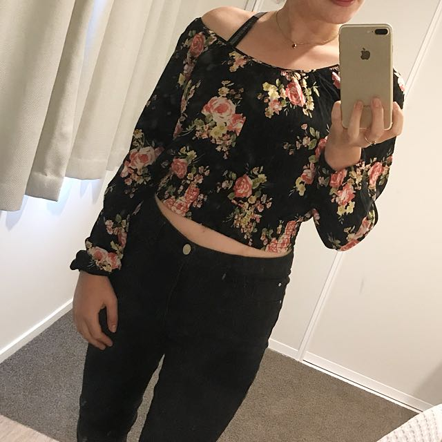 Off shoulder floral long sleeve