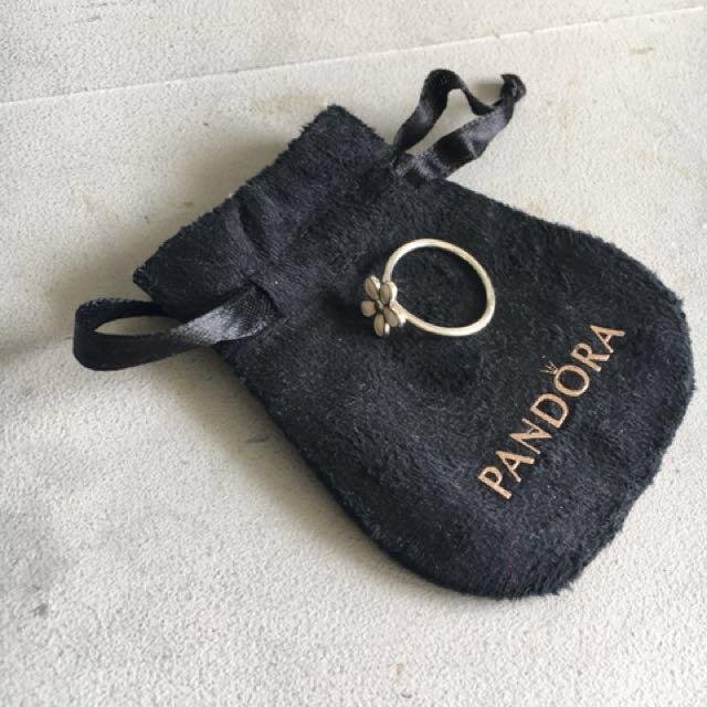 Pandora daisy ring, size 56