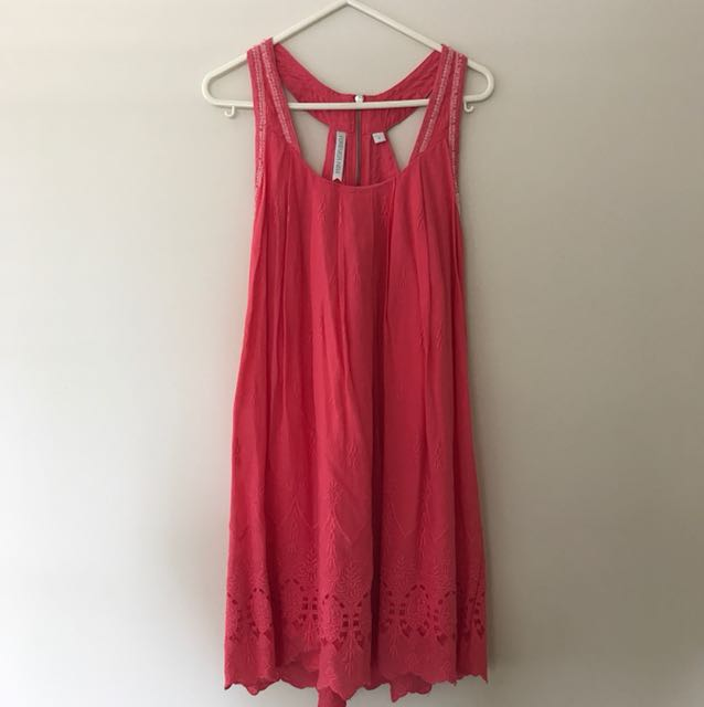 Pink forever new dress size 4