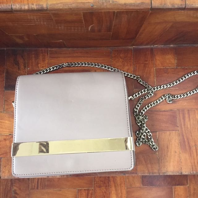 REDUCED PRICE 💖 Charles & Keith Double sided shoulder bag