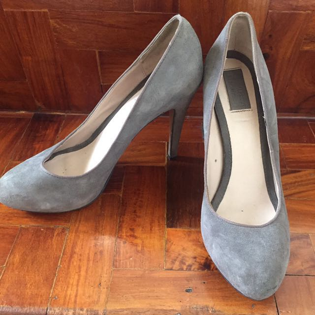 REDUCED PRICE 💖 Zara Gray Velvet Pumps