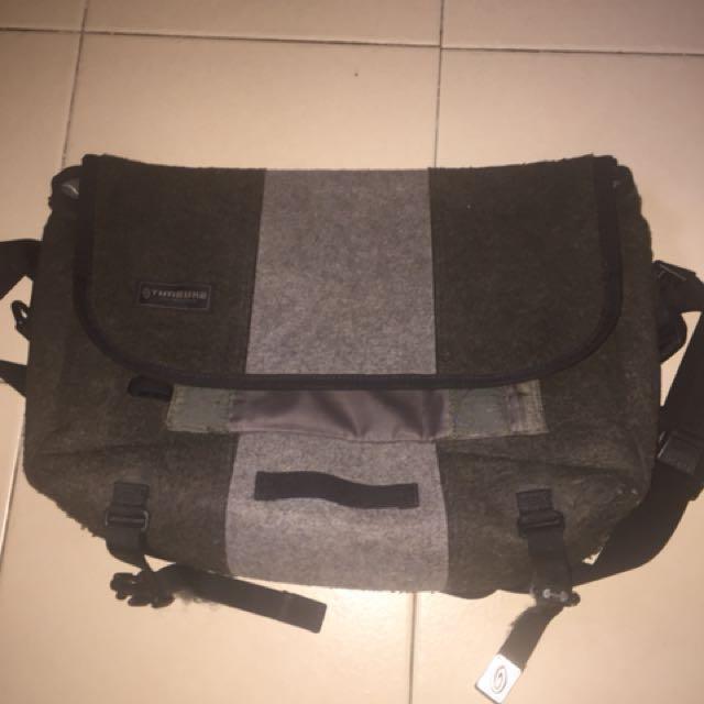 98659f066e SALE!! Timbuk2 classic messenger bag small