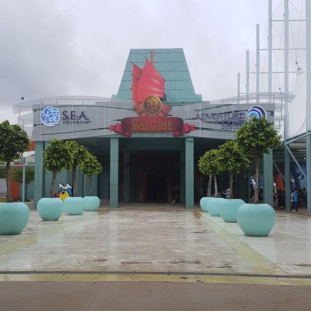 SEA Aquarium -$26 adult ticket
