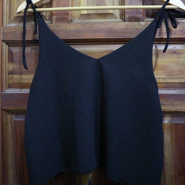 Sleeveless crop