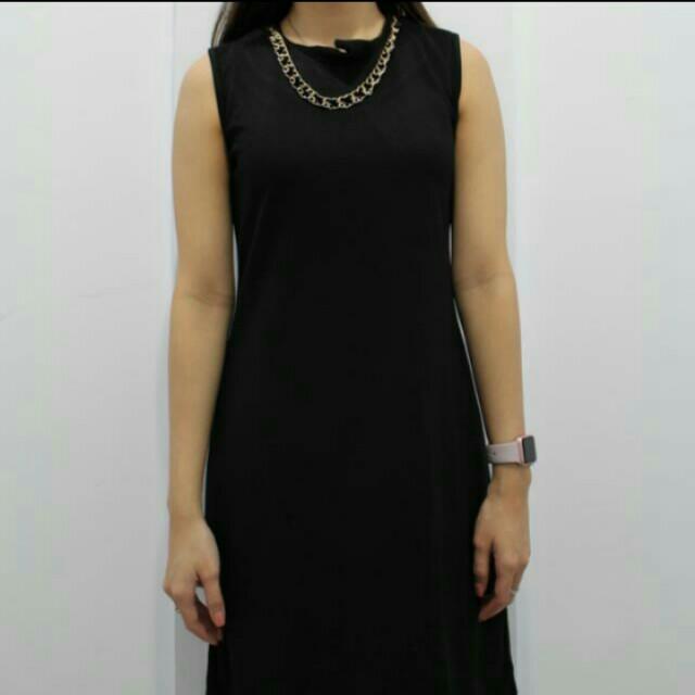 The Evecutive Black Dress