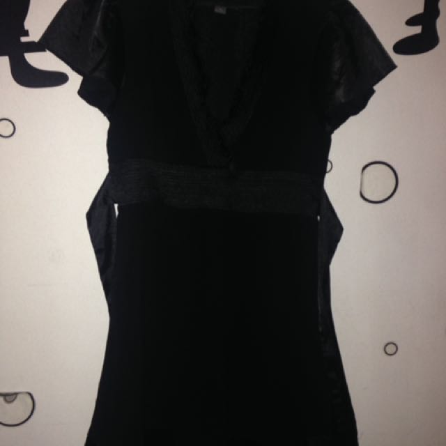 Twenty One Midriff Black Dress