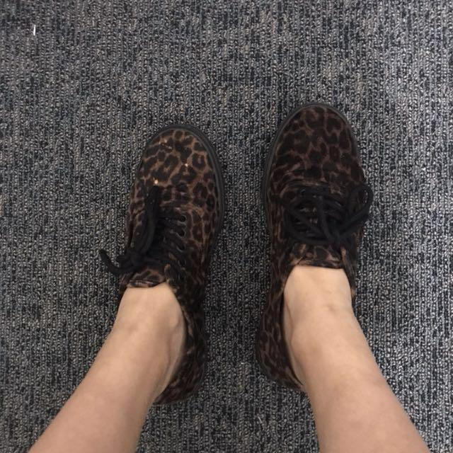 Vans Leopard print