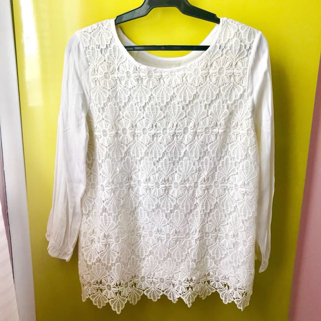 White Lacey Top (Freesize)
