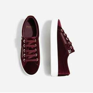 Stradivarius Zip Red Velvet Sneaker