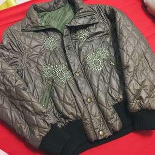 墨綠電繡鋪棉外套