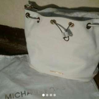Michael Kors Jules Large Drawstring Shoulder Bag