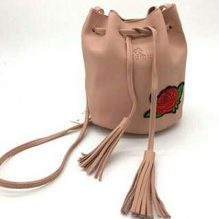 Korean 2018 new type embroider bucket bag